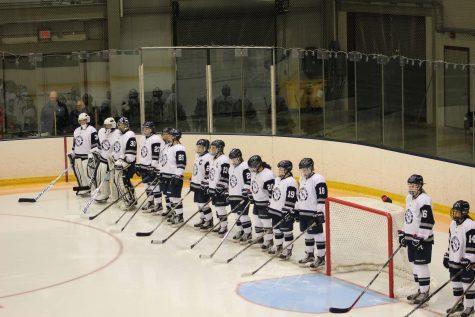 Women's ice hockey off to 4-1 start, plays Castleton on Nov. 18