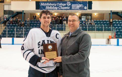 Men's ice hockey wins Middlebury Holiday Classic