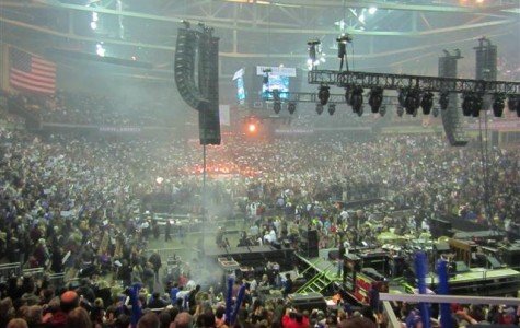 Citizens, students throng Verizon for final Romney/Ryan rally