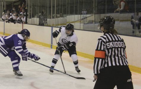 Women's ice hockey off to a 8-1-2 start after back-to-back ties