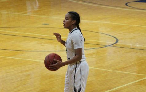 Women's basketball snaps four game win streak with loss at Adelphi