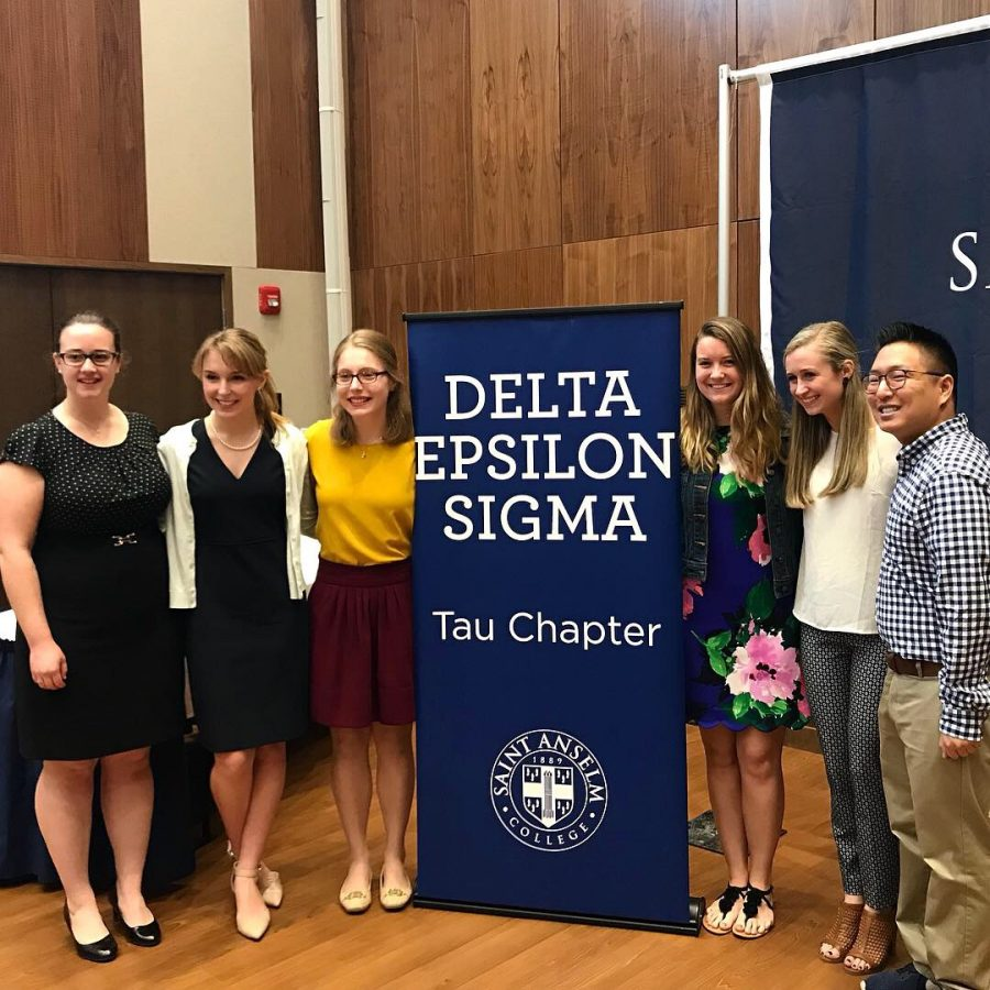 Delta Epsilon Sigma welcomes 38 into top honor society