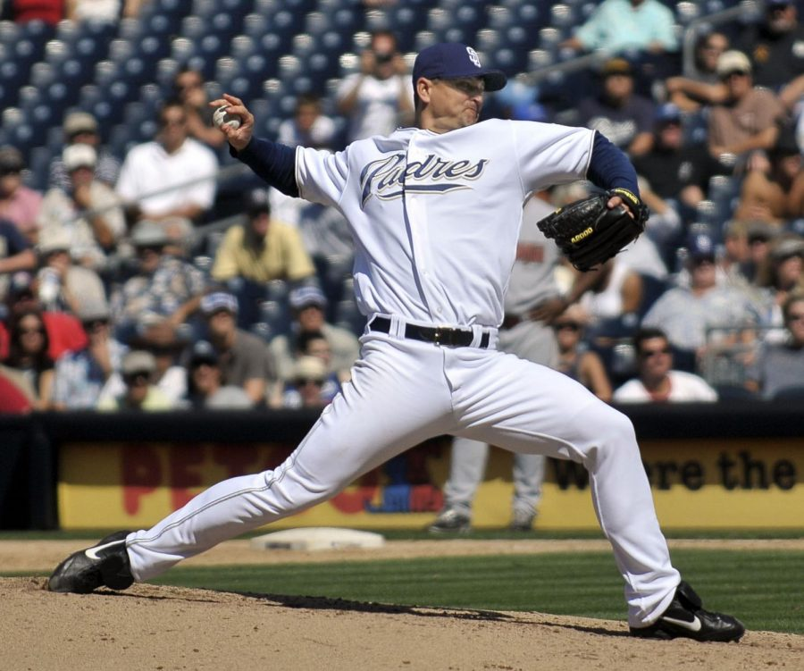 Trevor+Hoffman+throws+the+ball.+before+the+Padres+dropped+the+ball+this+season